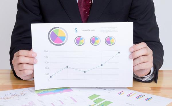 株だけでなく債券など低リスク投資信託を組み入れて成功している人の資産構成比や運用方針を大公開