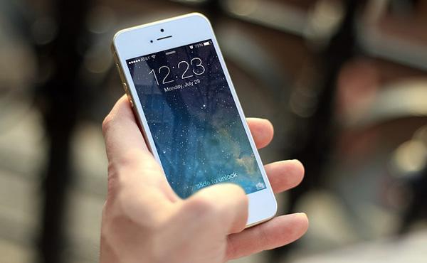 初代iPhone発表から10年、スマホ経済は70兆円規模に
