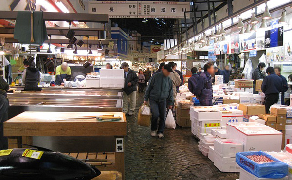 【悲報】築地市場、なんの抗議行動もなくひっそりと閉場する