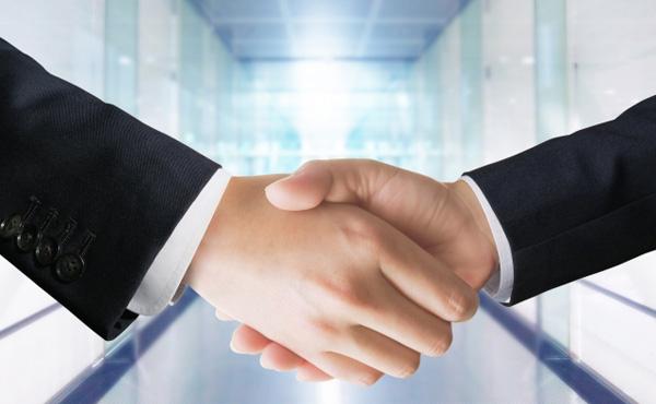 「日本人の働き方を変える」日本初のフリーランス協会が設立、雇用関係によらない働き方を企業と一体で実現へ