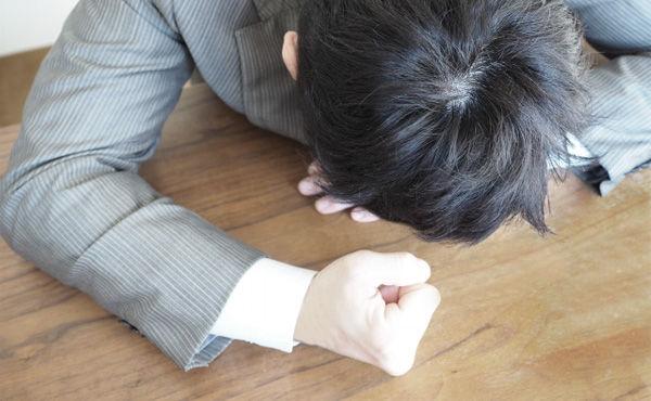 【悲報】わいクレカ延滞一歩手前民、怖いくてカード会社に連絡できない