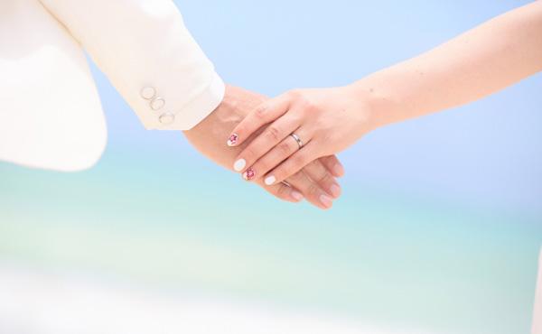 年収300万同士が結婚した結果ァ!!