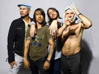 Red-Hot-Chili-Peppers-bio