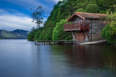boat-house-192990_640
