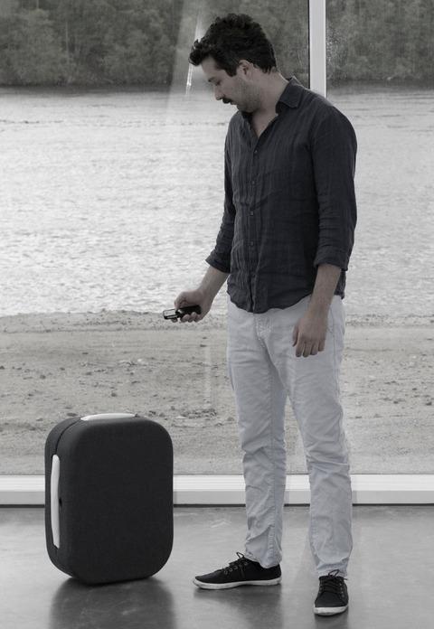 luggage-that-follows-you