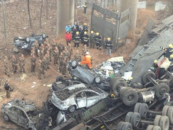 china-henan-bridge-collapse-truck-explosion-06-600x449