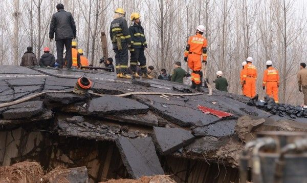 china-henan-bridge-collapse-truck-explosion-10-600x357