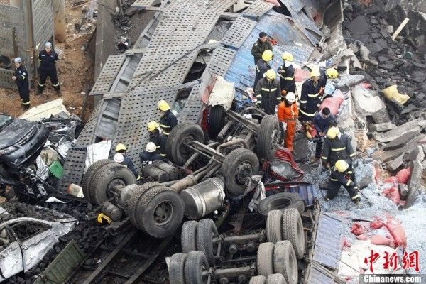 china-henan-bridge-collapse-truck-explosion-04-600x400-1