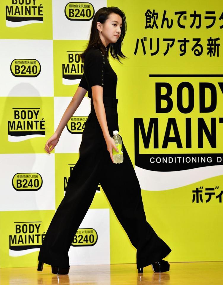 【モデル】Koki,全国74紙の全面広告に登場、日本つないだメッセージは「私はまだ知らない…新聞で未来をひらこう」