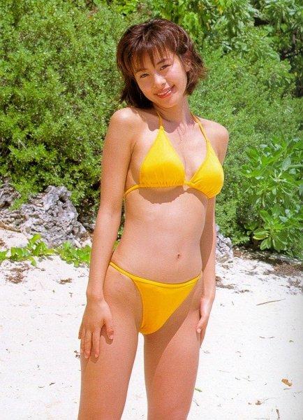 【タレント】さとう珠緒(45)が振り返る!23歳時の水着写真集の思い出とは!?