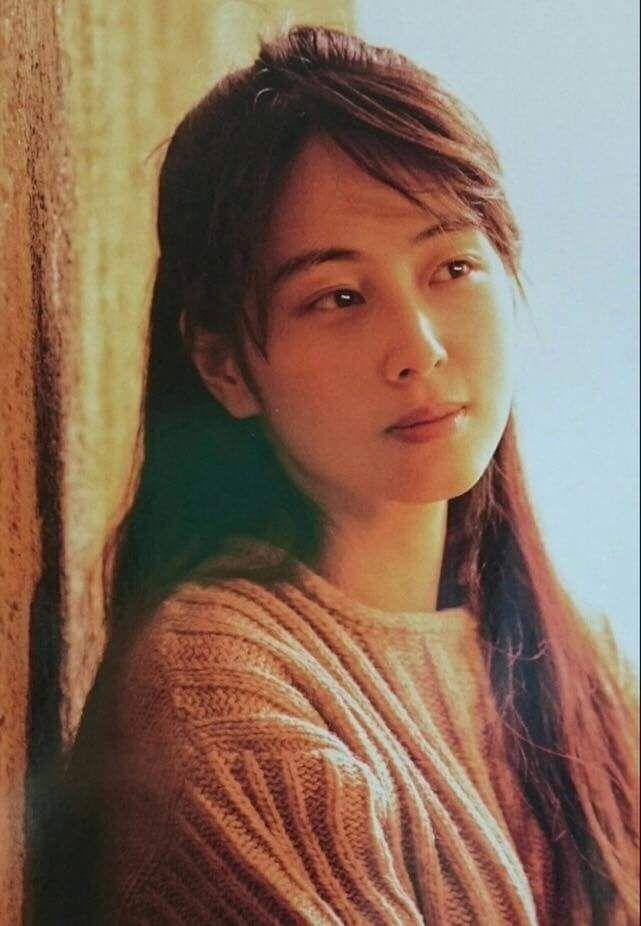 【画像】ZARD 坂井泉水さんは美人歌手だね!