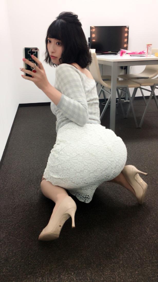 【画像】倉持由香「はぁ今日ケツ画像あげなきゃ…これでいいか(パシャ」
