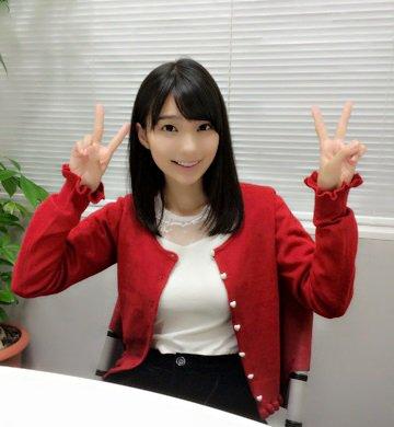 【画像】声優 高野麻里佳さんの1st写真集「まりん夏」がついに発売!