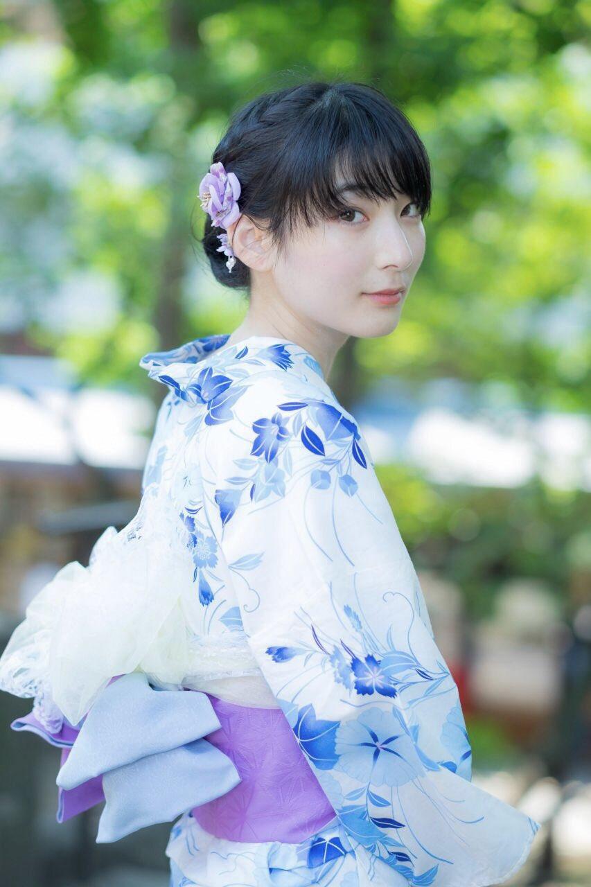美しすぎる元銭湯絵師 勝海麻衣さん、夏にふさわしい浴衣姿を投稿する。かなり可愛い!