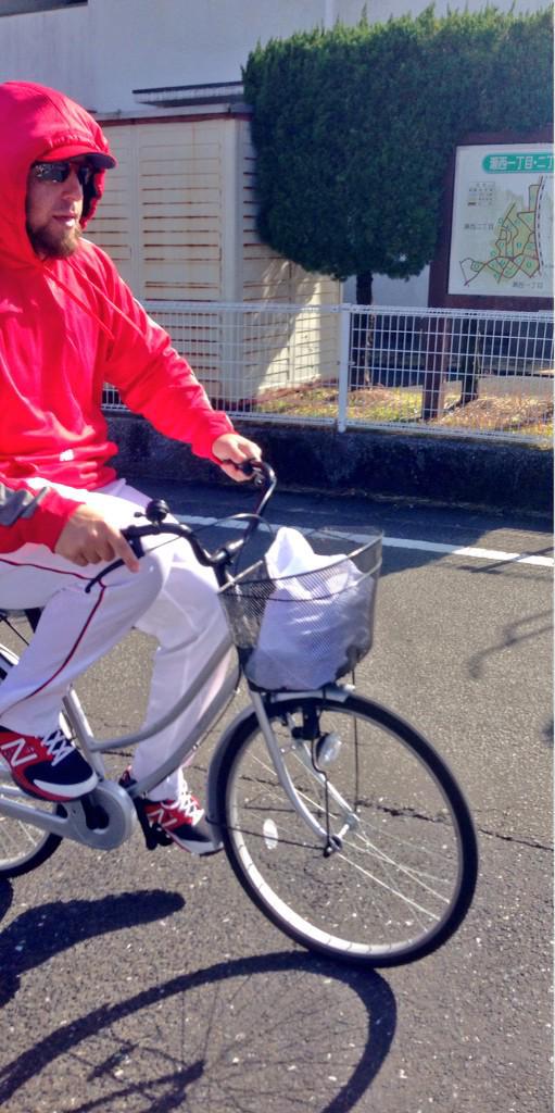 【プロ野球】広島カープの強さは通勤方法にあり!?球団から「タクシー通勤」を推奨されていた!でも…エルドレッドはママチャリ通勤!