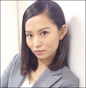 【画像14枚】女優 市川由衣、白ビキニで20歳グラビア時代の水着ショットを公開