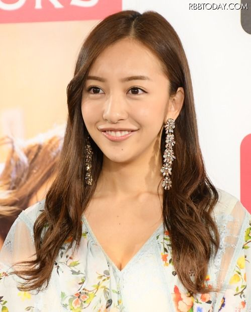 【画像21枚】元AKB48 板野友美さん、SEXYな水着姿を披露!「スタイルいい」「綺麗すぎて見とれちゃう」絶賛の声