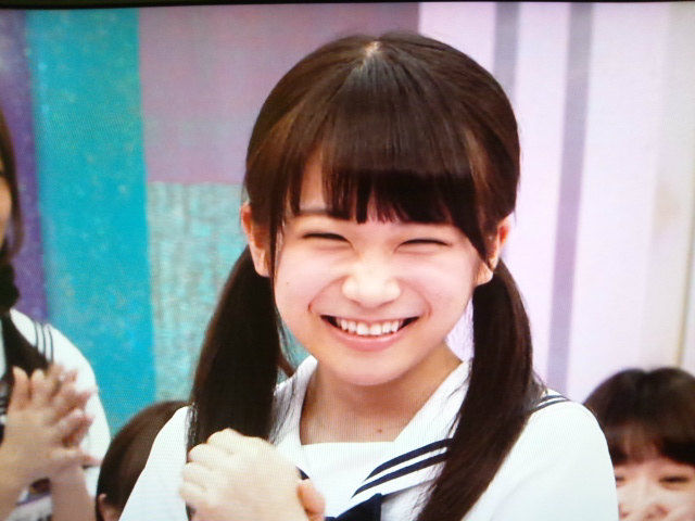 【gif】秋元真夏さん、おっぱい揺れまくりwwww