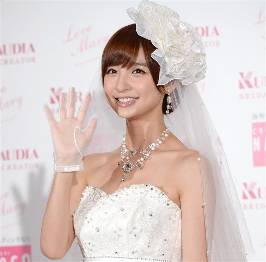 【祝報】元AKB48  篠田麻里子さん、一般男性との結婚発表! 交際0日でプロポーズされる