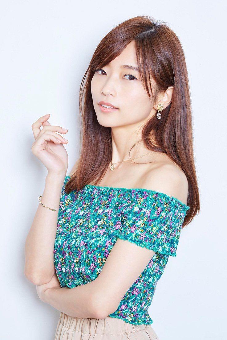 【画像】ナンバーワン美人声優・立花理香さんの肩出し巨乳wwwxwwwxwwwxwwwxwwwxwww