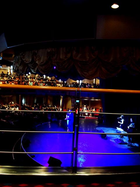 フェスティバル劇場LIVE