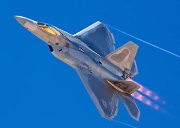 AIR_F-22A_Fort_Worth_Air_Show_LMCO_lg