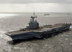 300px-Charles_De_Gaulle_(R91)_underway_2009