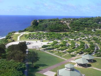 1200px-Okinawa_prefectural_Peace_memorial_Museum-2007-06-27_4