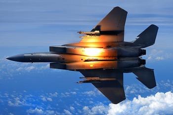 【あわや開戦】 宮古海峡上空で中国軍機が空自機をロックオンか? フレア発射で中国が日本に抗議