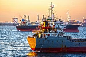 韓国政府「この船は*嫌疑なし*」→米財務省「制裁注意リストに載せますね」船のオーナー「韓国政府からお墨付きもらったのに」