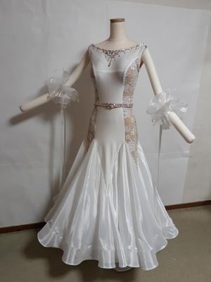ホワイトドレス20200101_165503