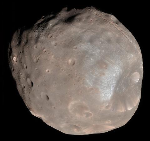 Phobos_colour_2008
