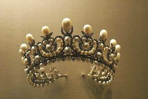 crown-1049927__340