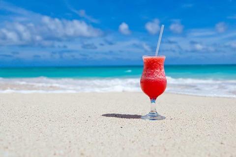 drink-on-beach