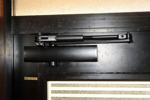 doorcloser (2)