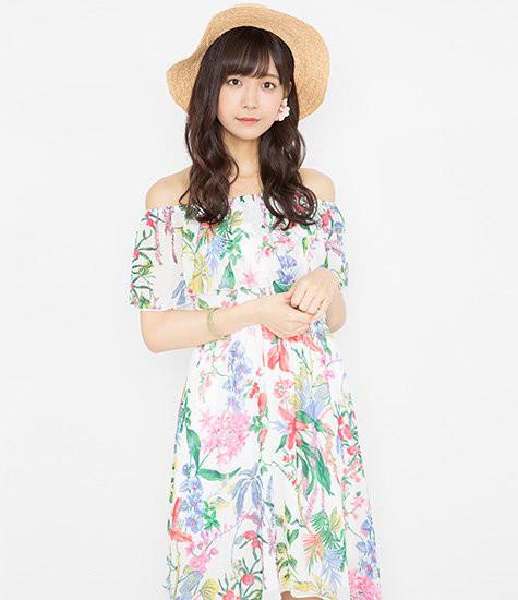 【エンタメ画像】【Juice=Juice】宮崎由加さん、ボイトレの部屋でピアノを弾く 先生「撮ってあげるわ」
