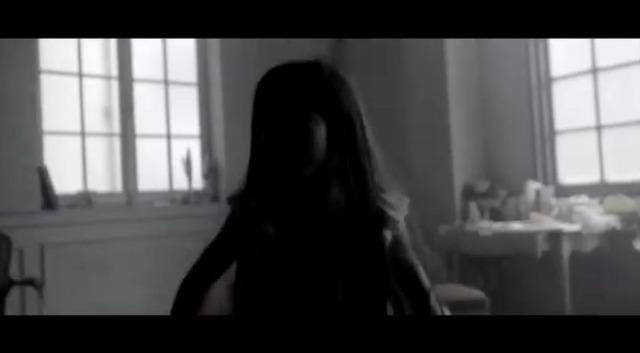 【エンタメ画像】つんく♂とTNXが手がける謎の新人『Hotzmic』のMVキタ━━━━(゚∀゚)━━━━!!