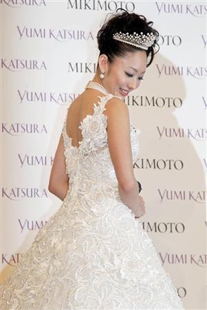 安藤美姫 ウエディングドレス
