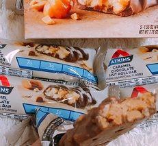 アトキンスキャラメルチョコレートナッツプロテインバー
