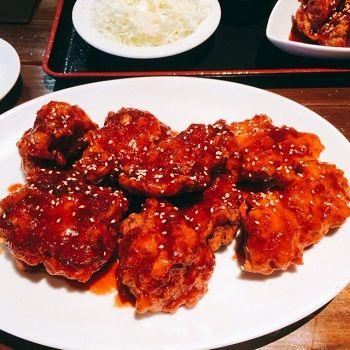 ヤンニョムチキン定食サムギョプサルとチキンのお店 テジテジチキン
