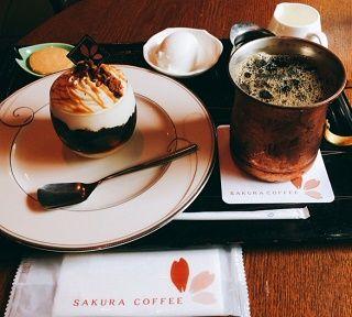 2桜珈琲のケーキセット