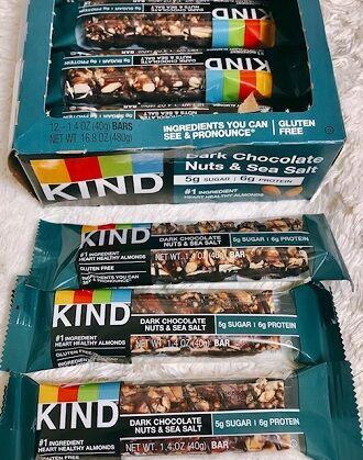 kIND Bars, ナッツ&スパイス、ダークチョコレートナッツ&シーソルト
