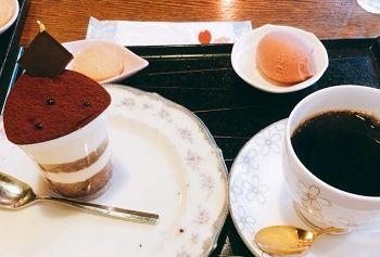 桜珈琲ティラミスケーキセット