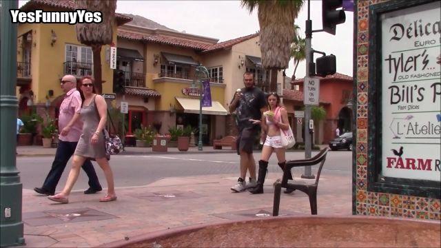 風もないのに椅子が動いてる……!?街中でポルターガイスト現象を目撃しちゃうドッキリ映像