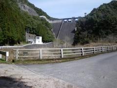 生見川ダム下から