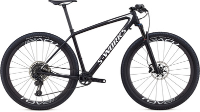 97118-03_EPIC-HT-MEN_SW-CARBON-SRAM-29_BLK-METWHTSIL_HERO