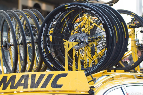 Disc_brakes_mavic_neutral_roubaix_2