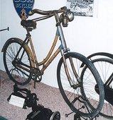 昔の竹の自転車