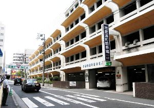利用の低迷する駐車場を駐輪場へ