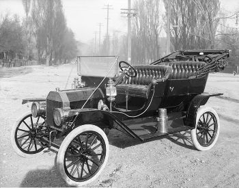 1910Ford-T,This image is in the public domain.